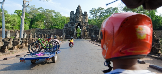 Entering Bayon on a tuktuk > Cambodia > TheRoamingNoodle