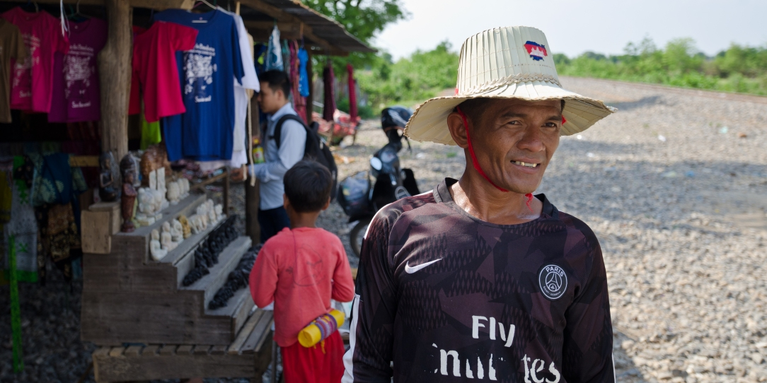 Cambodian daily life > TheRoamingNoodle