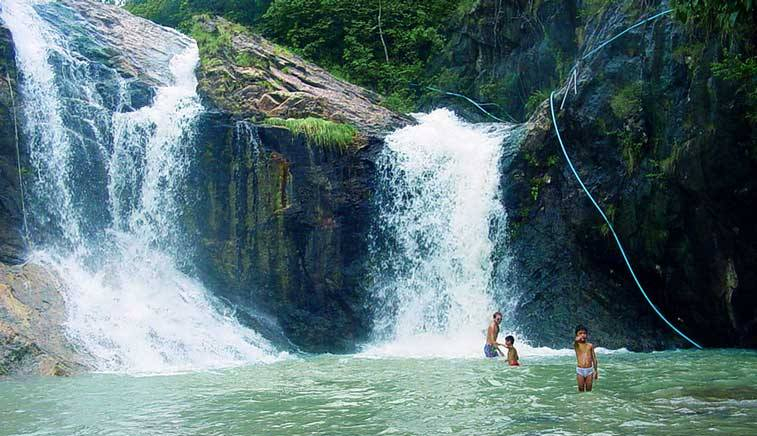 Than Prawet Waterfall > Koh Phangan > TheRoamingNoodle