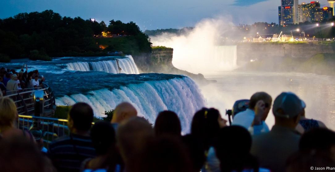 Niagara Falls > TheRoamingNoodle