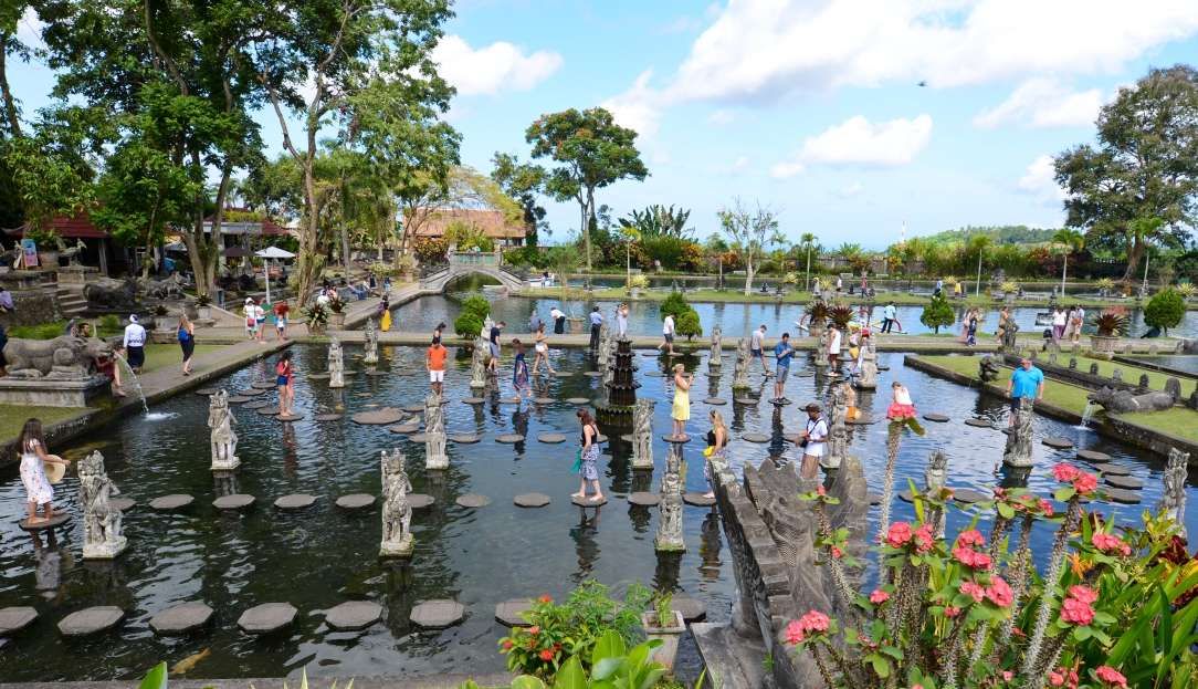 Taman Tirtagangga > Bali > TheRoamingNoodle