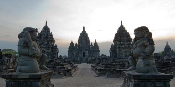 Prambanan Temple > TheRoamingNoodle