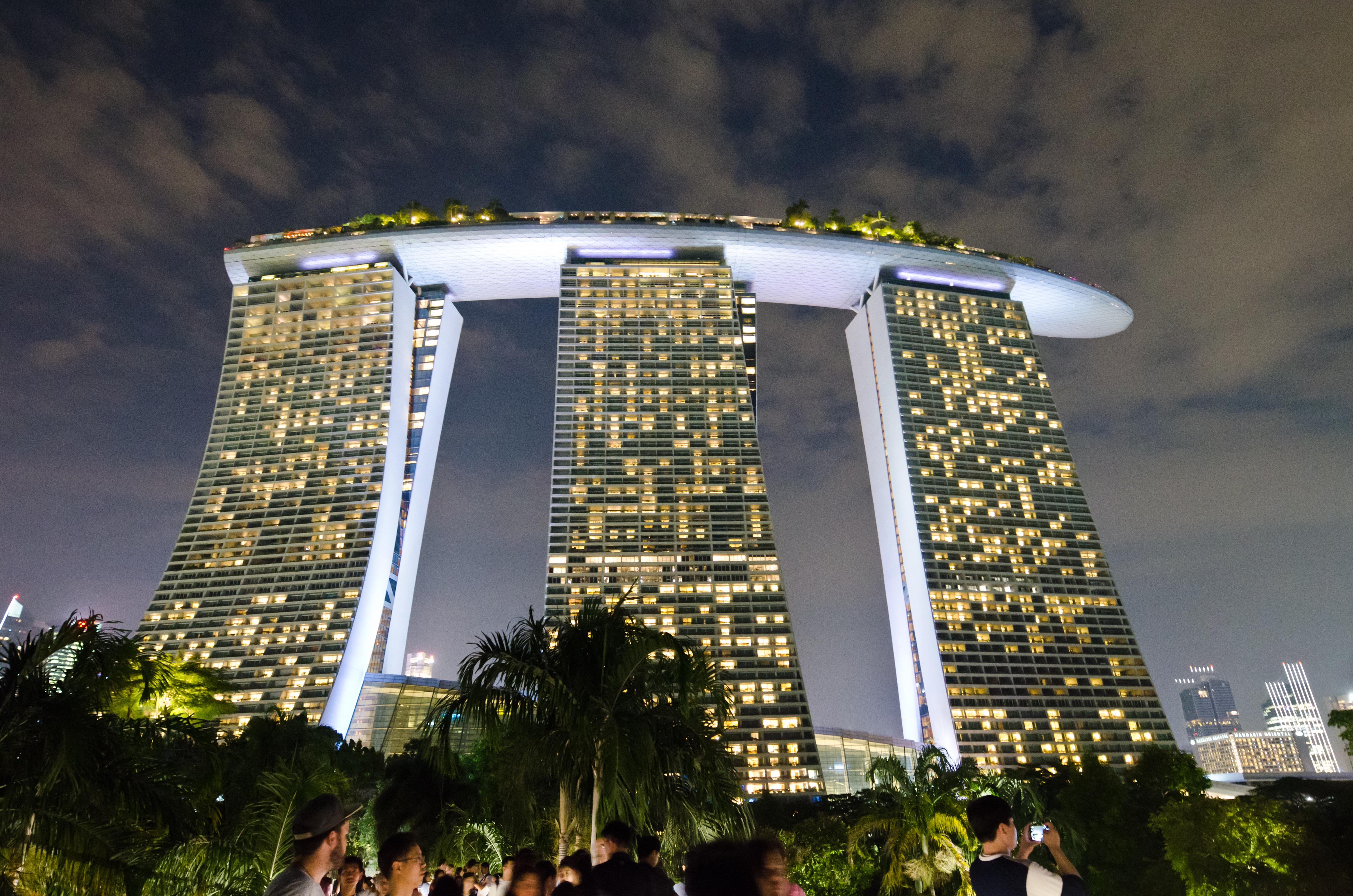 Singapore > TheRoamingNoodle